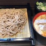 名代富士そば - ミニかつ丼セット 660円。