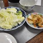 前島食堂 - キャベツとキムチ