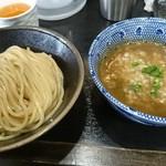75319168 - 独創的なシャバ系濃厚つけ麺+味玉 美味いし