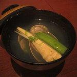 旬彩 本多 - 椀物 蛤と新筍・青海苔お潮汁