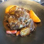 75321488 - 牛肉のエストゥファード(蒸し煮)赤味噌風味