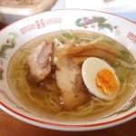 美宝堂 - 料理写真:塩ラーメン 600円