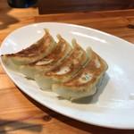 かじべえ - 餃子、これも、絶品。タレなしでもおいしいですの説明通り、美味しかったです。