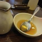 もんじゃ焼き 眞田 - なら焼きについているお出汁。