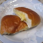 7533008 - ピンボケ~~~(泣)のクリームパン