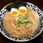 東京駅 斑鳩 - 豚骨魚介煮玉子塩らー麺(890円)