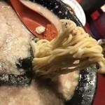 75335679 - 麺は中太くらいでしょうか。
