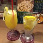 石窯ピザのイタリアンバル Pizza Cozou - 【'17.10】フリージングレモンサワー(右)とイタリアンレモンサワー(左)