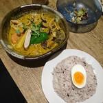 ポニピリカ - 「豚しゃと木ノ子のカレー」和風スープ 辛口 ご飯大盛 1,230円