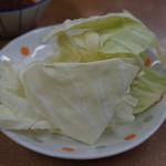 焼肉 味道 - 突き出しの生キャベツ