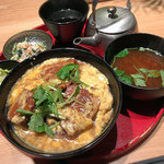 24/7 cafe apartment umeda - 豚の角煮の卵とじ丼