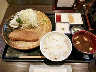 牛かつ もと村 浜松町店 - 牛かつ麦飯とろろセット(130g)1,400円