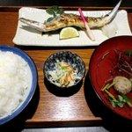 魚料理みうら - さんま塩焼・いわしつみれ汁・ごはん中!
