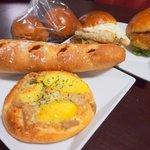 シェ・ドゥーヴル - 料理写真:ツナポテトパン、ハムチーズバゲッド ほか
