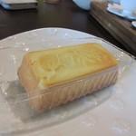 Jioufen Teahouse - パイナップルケーキ100元。
