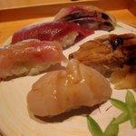鮨匠なか川 - 二段松花堂弁当 上段(寿司5貫)