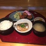 尊 - ミックス定食B(チキン南蛮+鯖の味噌煮)900円