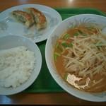 おなかの友達 萬来 - 日替りのラーメン定食、税込み680円!