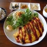 コパン - 料理写真:チーズトマトオムレツ@800