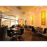 日比谷園 China Cafe&Dining - お洒落な店内には気軽に立ち寄れる雰囲気が満ちています。