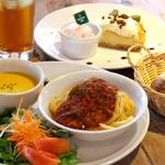 セカンドハウス - ハーフスパゲティにサラダやデザートが付いたお得なプレートランチ。ディナーセット・ランチセットご用意しております。