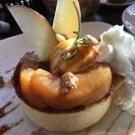 りんごらいふ - キャラメルナッツホットケーキ  980円
