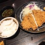 勝烈亭 - ロースカツ定食