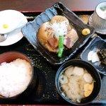 食祭 - 信州産の豚肉の角煮御膳980円