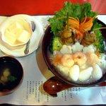 """本格中国料理 上海酒家 - 3セット""""海鮮中華丼、スープ、杏仁豆腐"""""""