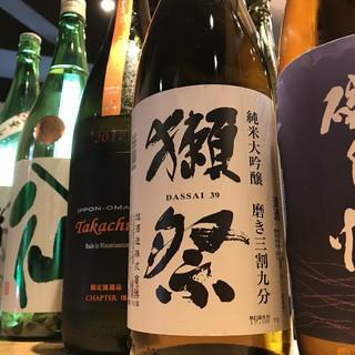 日本酒好きにたまらない!全国各地の日本酒4種のペアリング◎