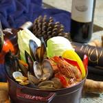 romantic diner loco - 毎年人気の海鮮クリームチャウダー鍋
