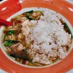 麺作ブタシャモジ - 「もつニラソバ」のスープにご飯投入!