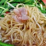 麺作ブタシャモジ - もつニラソバ