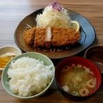 とんよし - ロースかつランチ(918円)