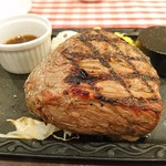 カタマリ肉ステーキ&サラダバー にくスタ - ランプステーキ 360g