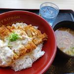 かつさと - かつ丼+大豚汁ランチ600円