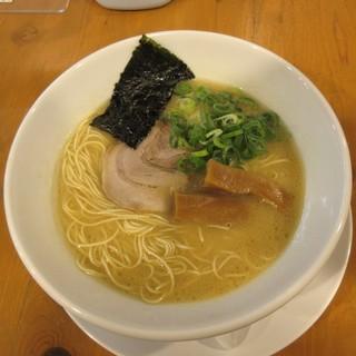 ろく月 - 料理写真:豚白湯ラーメン