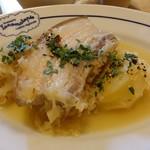 ブラッスリー ロノマトペ - もち豚バラ肉自家製燻製のシュークルト添え1,430円