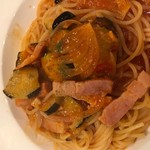 ばーる ばなーれ - ナスとベーコンのトマトソーススパゲッティ
