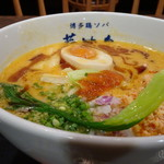博多鶏ソバ 華味鳥 - *スープは思ったより濃厚ですが、くどくはなく美味しい。