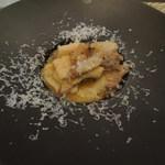 グリーチネ - 鶏の白ワイン煮込みと牛蒡のマルテリアーティ