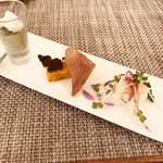 il desiderio ORTAGGIO - 前菜3種盛り合わせ  ホタテのテリーヌやほうれん草のムースは綺麗ですね。