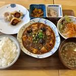 菜根譚 北海道中華 - 麻婆豆腐ランチ、880円です。