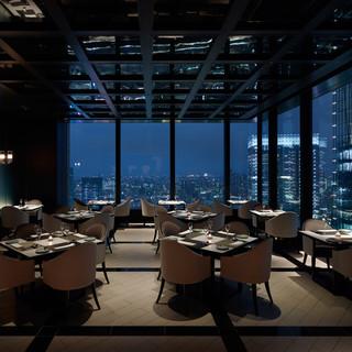 贅沢に見下ろす東京の夜景パノラマ