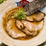 ら~めん TAMAZO - 豚骨醤油 720円(税込) チャーシュー、メンマ、葱、海苔。チャーシュー2枚はTwitterフォロー特典。