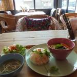 ニアタイ - 料理写真:グリーンカレーのセット