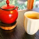 おづKyoto -maison du sake- - 温かいお茶