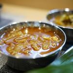 スパイス料理ナッラマナム - チキンマサラ