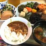 珠むら - 料理写真:おばんざいバイキング¥700(税込) カレーもあるよ♪