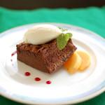ローリエ - とろける美味しさ 生チョコレートケーキ